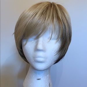 Other - Wig shirt blonde layed over brown nwot